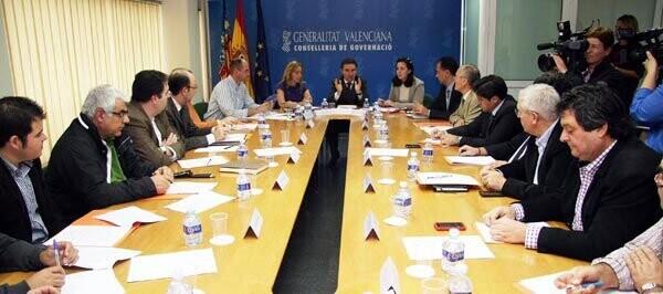 La Comisión de Pirotecnia regula la Formación de los CRE
