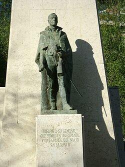 Monumento en honor al Héroe Romeu en Valencia