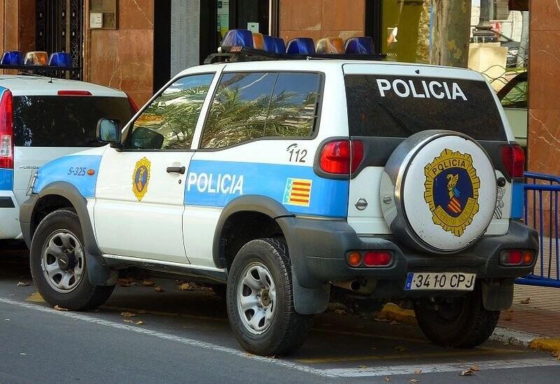 800px-Nissan_Terrano_Polica_Generalitat_Valenciana.jpg