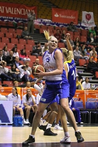 Lauren Jackson (2)