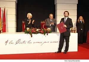 Salvador Broseta recogiendo el premio el año pasado.