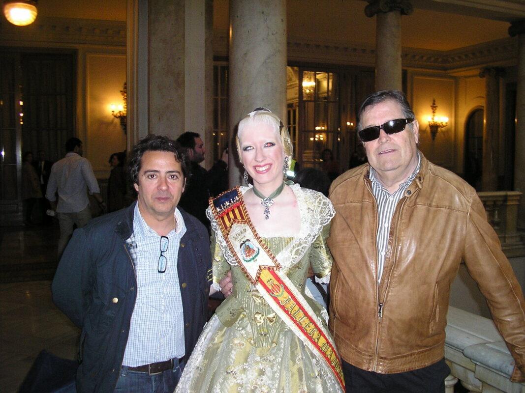 Vives Mari, la fallera mayor de Avda. Puerto-Manuel Candela y Alvaro Moliner