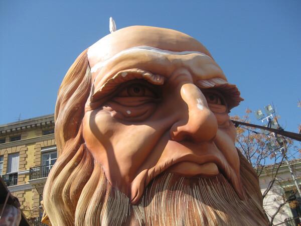 El busto de Leonardo da Vinci, pieza principal de la falla 2012 de Na Jordana