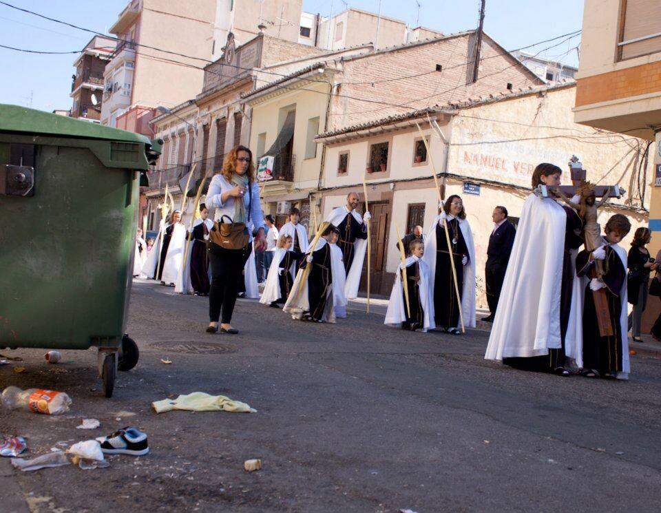 Comitiva de la Bendición de Palmas de Cristo Redentor en la calle José Benlliure