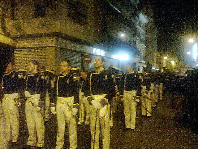 Los granaderos del Cabanyal en la procesión de Torrent