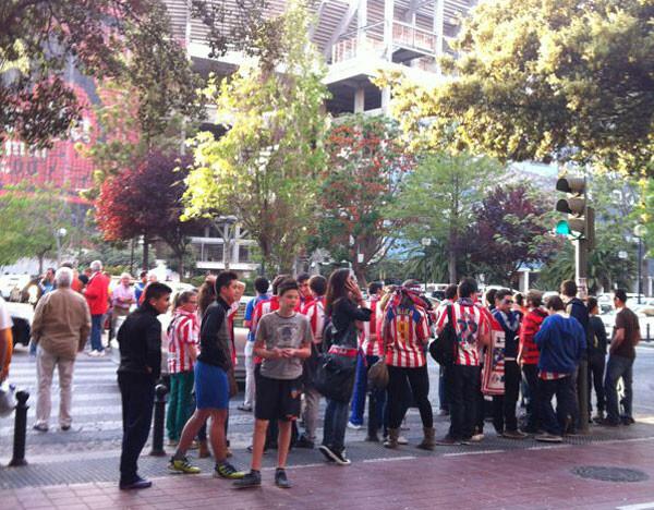 Valencia - Atlético, Europa League: Buen ambiente en los aledaños de Mestalla