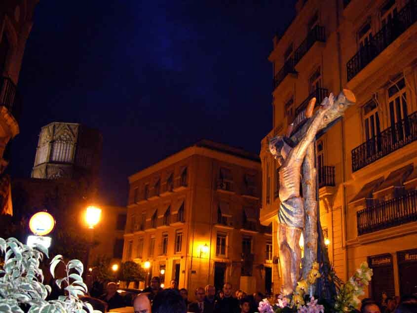 Cristo de las Penas en un acto procesional en Ciutat Vella