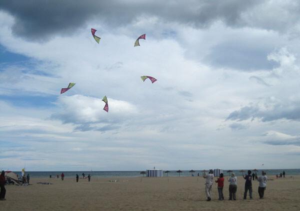 """Festival Internacional de Cometas """"Ciudad de Valencia"""" en la playa de las Arenas"""