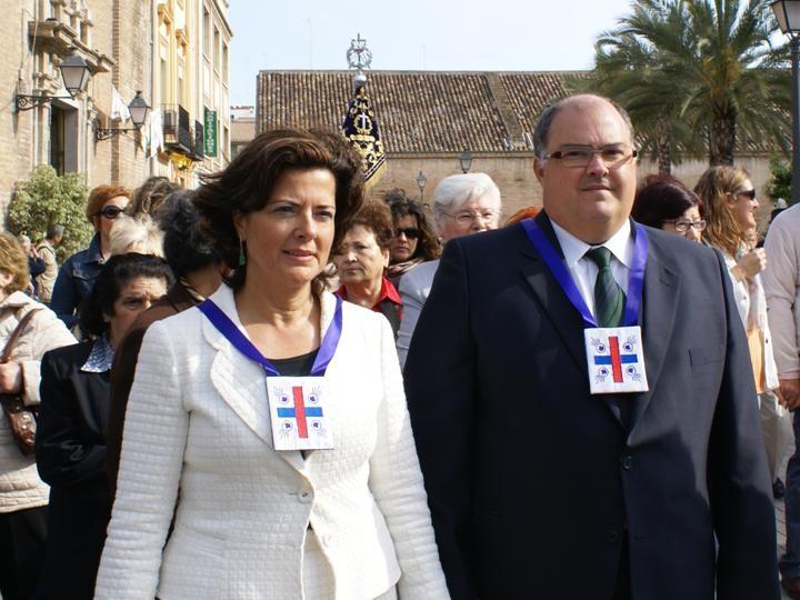 Maria Asunción Palop y Fernando de Rosa en un acto de la Cofradía de Jesús de Medinaceli del Grao el año pasado/paco celdrán