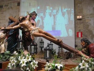 Paso de la Crucifixión en el Museo de la Semana Santa Marinera