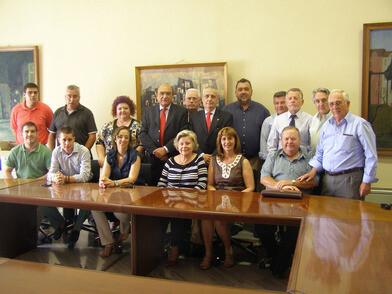 Los pedaneos con Aleixandre y Vicente Igual en el ayuntamiento/pepe sapena