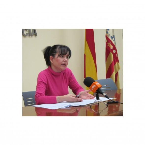 La concejala Rosa Albert de EU que ha denunciado los despidos en una contrata de alumbrado