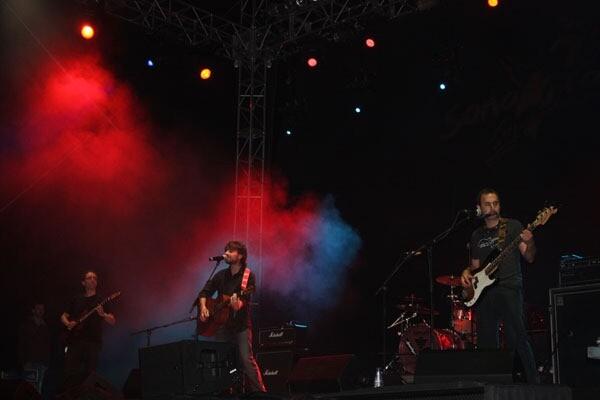 sona-la-dipu-pop-rock-2012.jpg