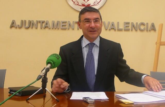 El concejal socialista, Pedro M. Sánchez, en su comparecencia de hoy