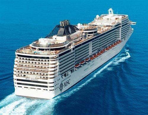 Vista aérea del MSC Divina el nuevo crucero insignia de MSC