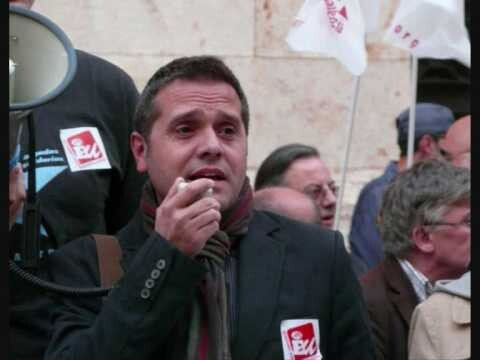 Amadeu Sanchis habla en una concentración