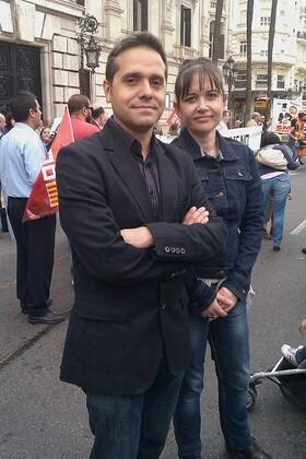 Amadeu Sanchis con la concejala Rosa Albert en la plaza del Ayuntamiento