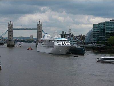 Las Olimpiadas de Londres tendrán hoteles flotantes para turistas como los tuvo Barcelona