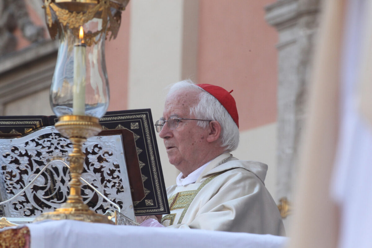 El cardenal Cañizares en la Missa d´Infants/avan