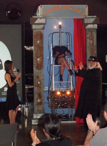 La Mujer sin Cabeza, del Circo Gran Fele, arrancó el aplauso de los asistentes