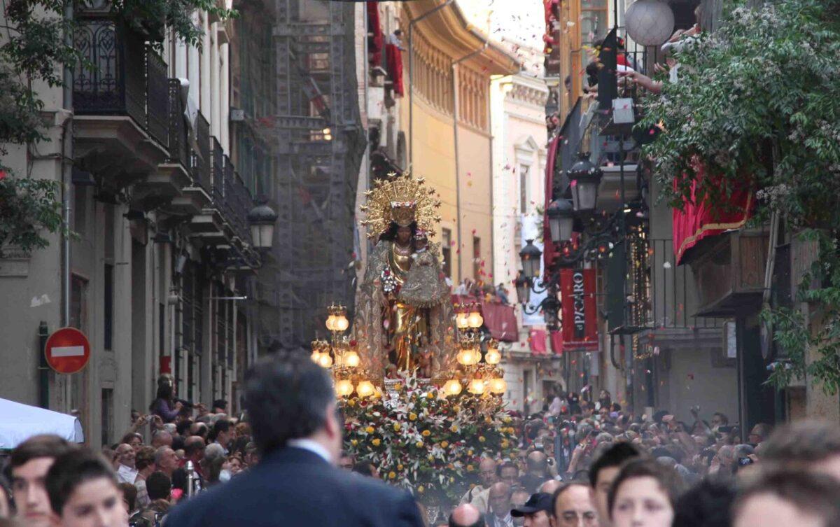 La Virgen de los Desamparados en la calle Caballeros/m.v.