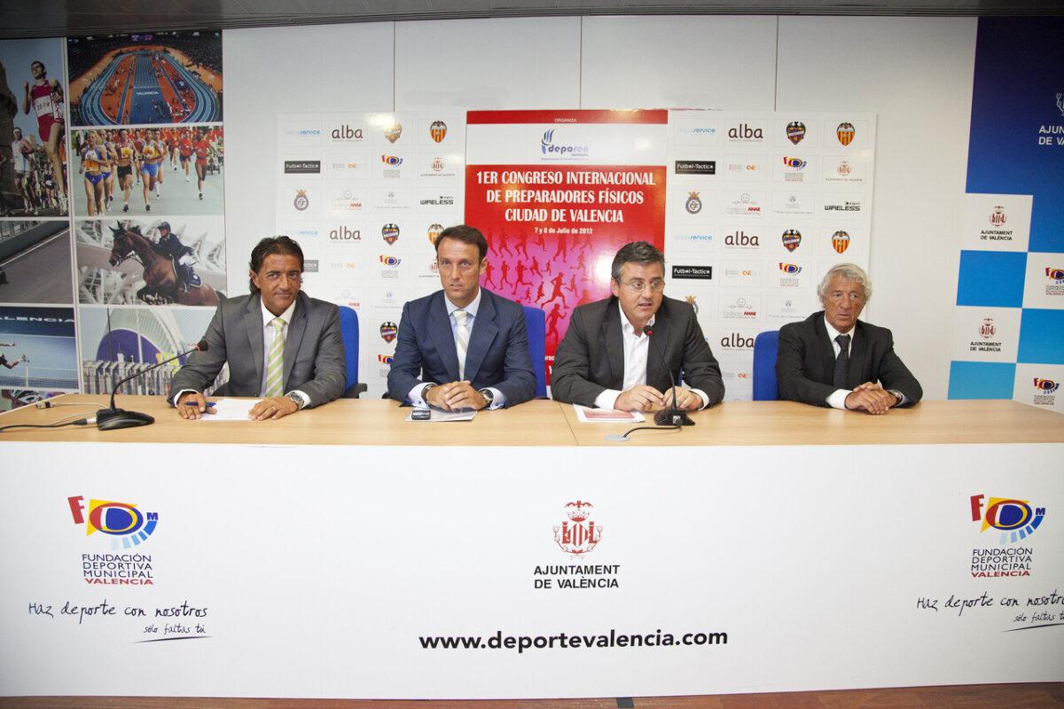 Un momento de la presentación del congreso de preparados, con el edil Grau y el director general Castella/pepe sapena