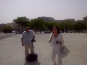 La adjunta a la dirección del Consorcio de Turismo de Sevilla, Beatriz Aradilla, a la derecha./Vlcciudad