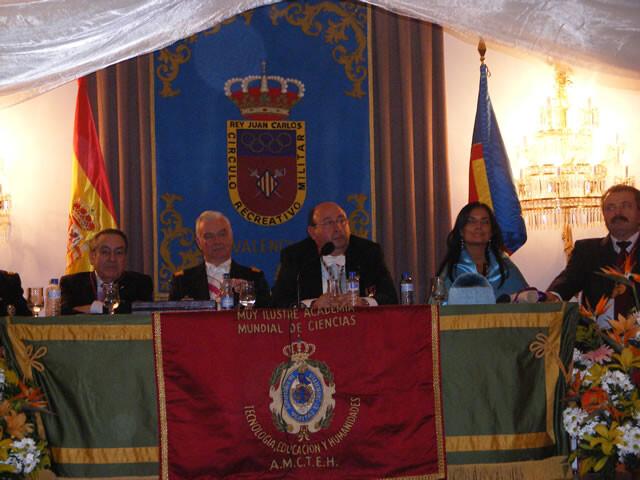 La mesa presidencial de la Academia de las Ciencias en una clausura de años pasados/Academia