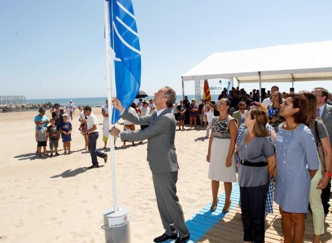 Perellonet Valencia 25062012. Entrega banderas azules