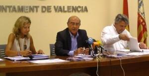 El edil y presidente de la EMT, Alfonso Novo, junto al gerente de la EMT