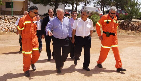 Casi 800 bomberos y 500 brigadistas lucharán contra el fuego este verano en Valencia