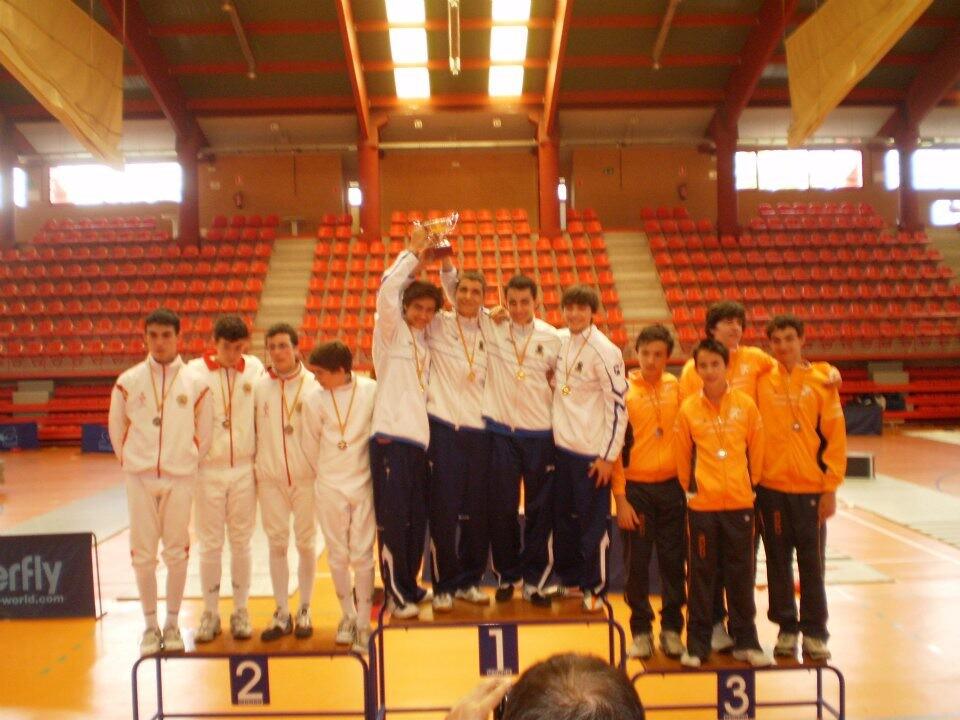 El equipo valenciano en lo más alto del podium.