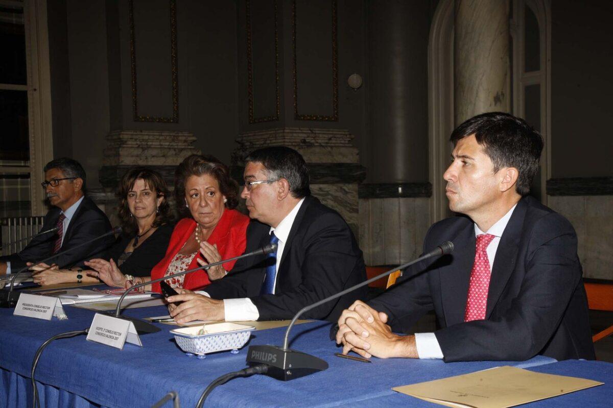 Pablo Landecho, primero por la derecha, nuevo director general del Consorcio en la reunión de hoy
