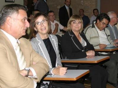 La nueva presidenta del PSPV, Consuelo Orias, en un acto de la Semana Santa Marinera junto a la edil y miembro de la nueva ejecutiva Pilar Calabuig