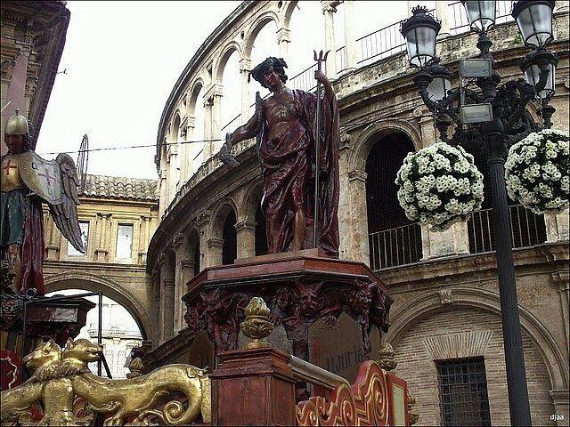 La Roca Diablera en la plaza de la Virgen