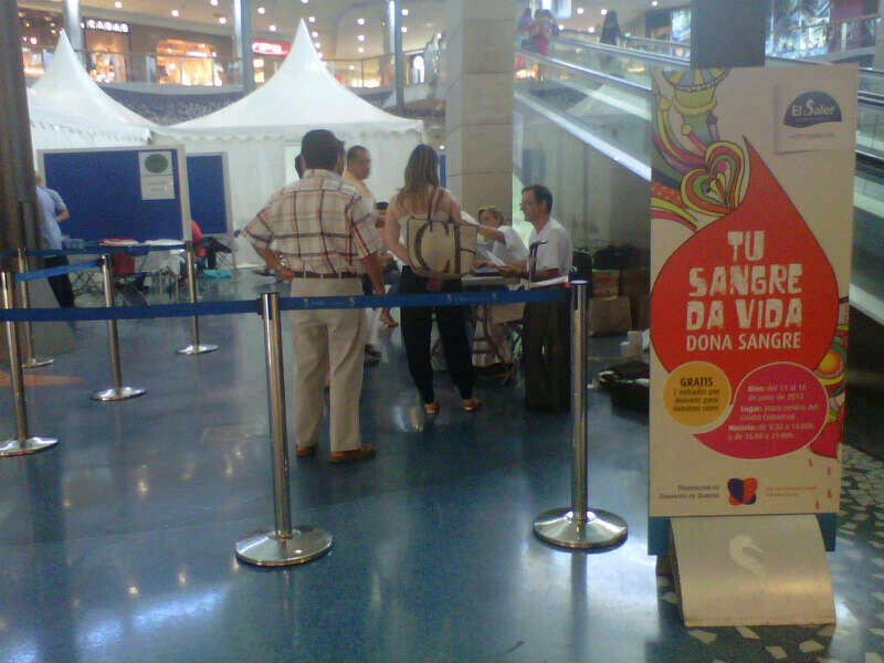 Donación de sangre en El Centro Comercial El Saler que ha sido premiado/m.valenciano