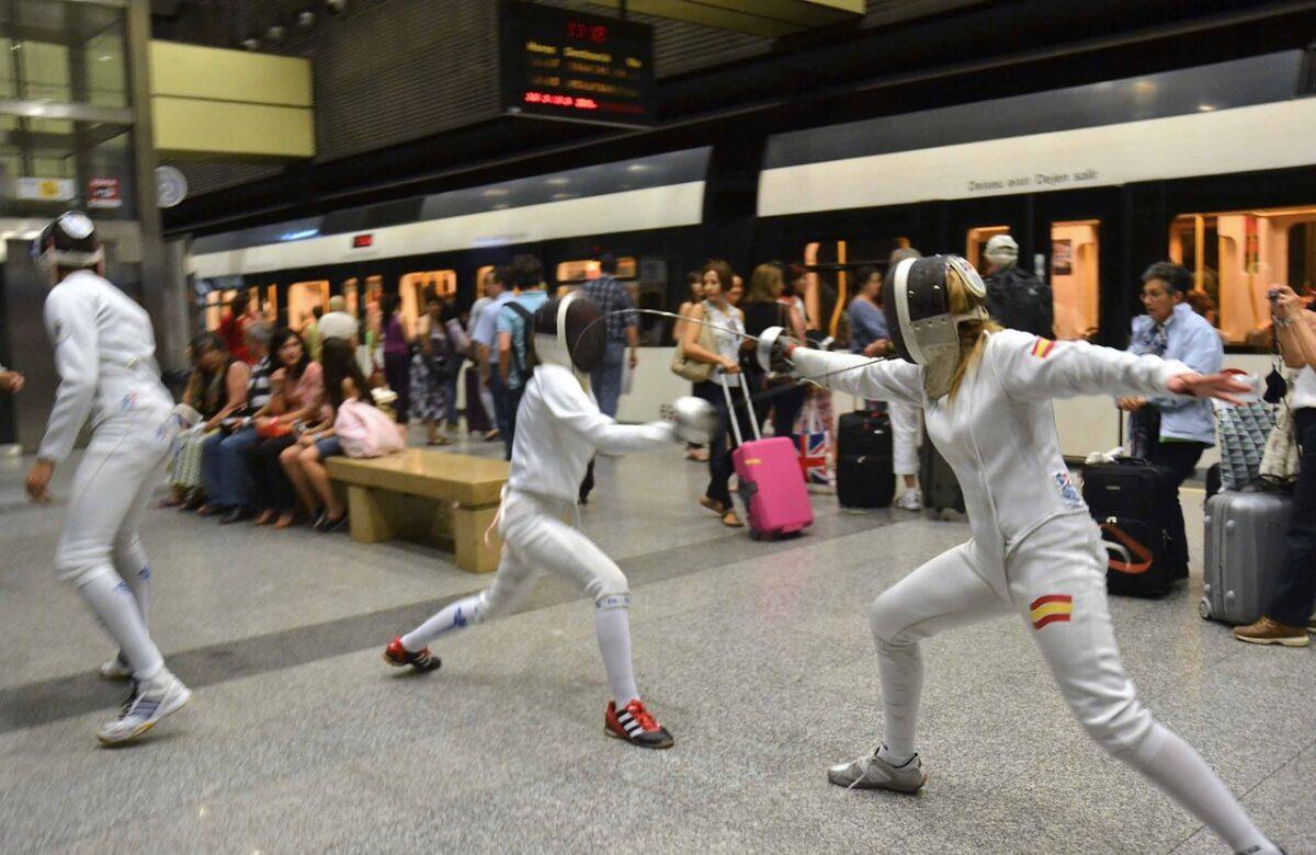 Enfrentamiento entre dos tiradores en la estación de Metro.