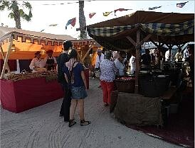 Dos tiendas de la feria medieval de pasadas ediciones