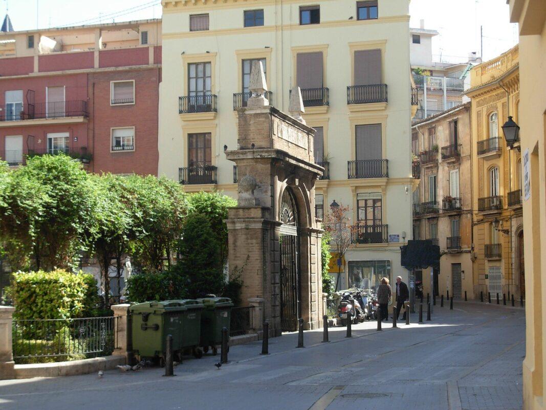 Zona de acceso al jardín de Juan de Vilarrasa