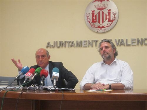 El edil Alfonso Novo y el gerente de la EMT