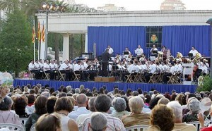 La banda municipa de Valencia en el estreno de los pasodobles de las falleras mayores de 2010