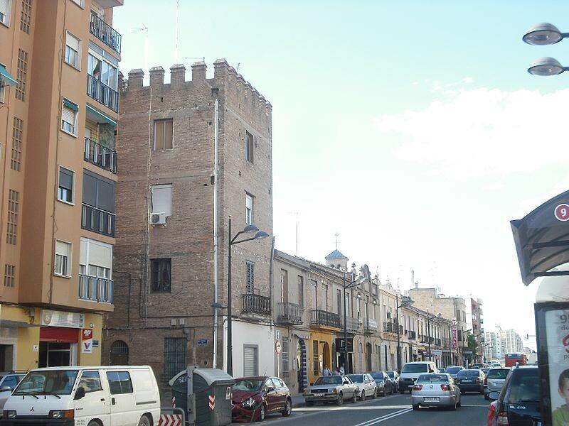 Calle principal de la pédanía de La Torre