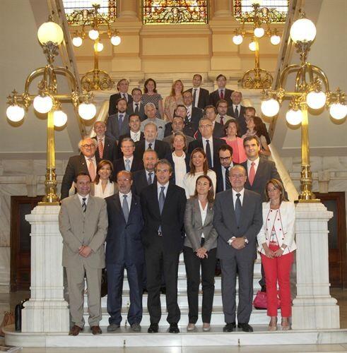 Los representantes de las 24 ciudades que forman la Red de Ciudades Inteligentes