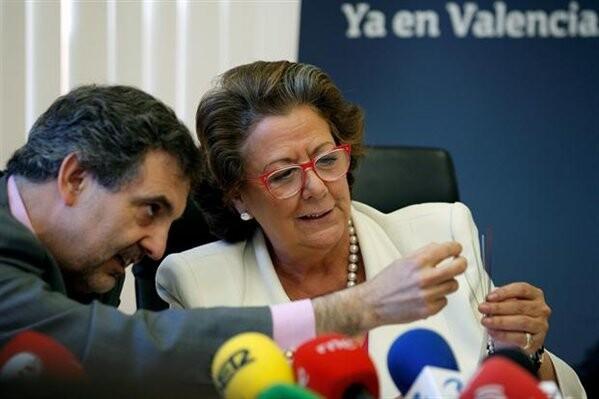 El presidente de Telefónica y la alcaldesa de Valencia en la presentación del proyecto de cableado de fibra óptica