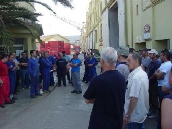 Trabajadores de la unión naval durante una concentración