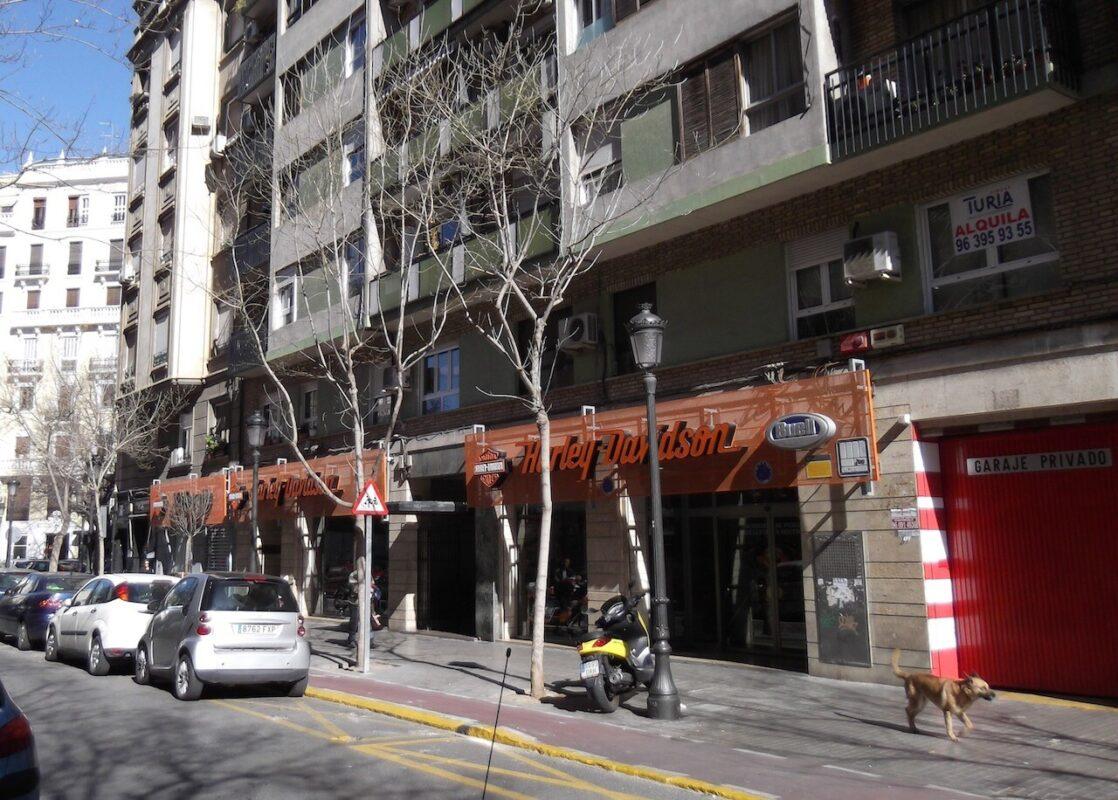 Calle Almirante Cadarso donde vivía el hombre que abusó de una niña