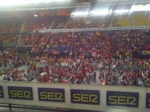 La Fonteta se llenó a reventar de aficionados para animar a España