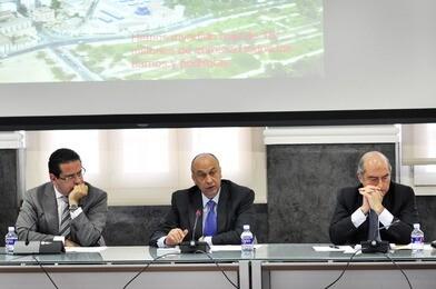 A la izquierda, Jorge Bellver, en una rueda de prensa con Francisco Lledó y Alfonso Novo