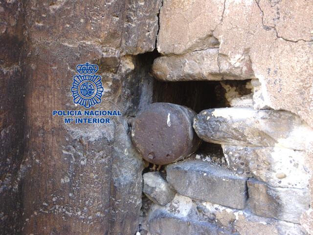 Proyectil de Artillería retirado de la fachada de la iglesia de los Santos Juanes
