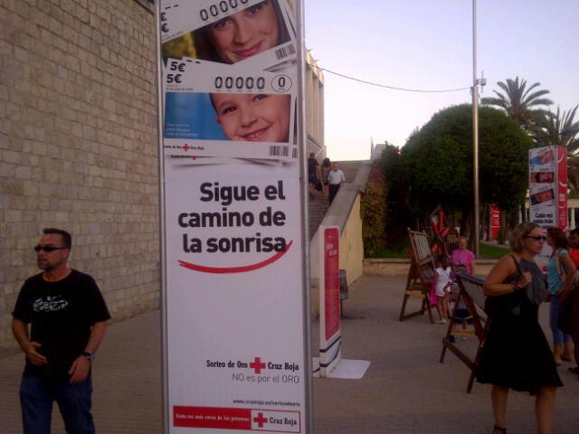 Cartel anunciador del Sorteo del Oro de Cruz Roja que se celebra en el Palau de la Música